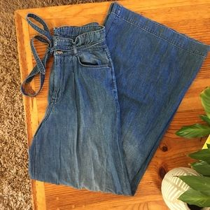 7 For All Mankind— Wide Leg Jeans
